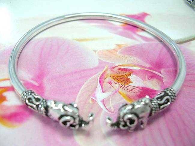Indonesian exporter supplies trendy accessories, Quality sterling silver fashion bracelet with indonesian elephant clasps, and fancy coil and snake ends