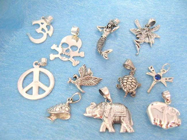 Jewelry manufacturer exports Bali art designed necklace charm in 925. sterling silver