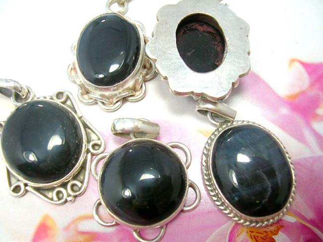Wholesale bali jewelry distributor, Indonesian artist design 925. sterling silver pendant with lovely gemstone