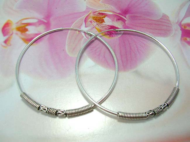 Shop indonesian art jewelry online, Unique snake designed coil between twisted band on 925. sterling silver hoop earrings