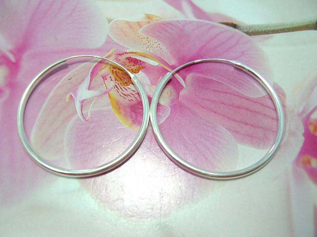 Balinese artist accessory collection exchange, Ladies classic 925. sterling silver hoop earrings