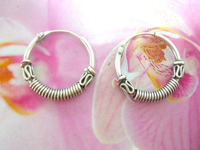 High fashion jewelry exporter, Exotic 925. sterling silver hoop earrings with coiled band and snake design