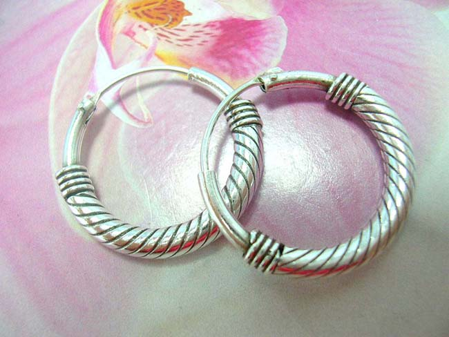 Womens bali accessory wholesaler, Spiral design on flashing 925. sterling silver hoop earrings