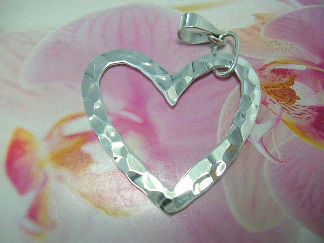 Jewellery business wholesaler, Beautiful 925. sterling silver pendant in cut-out heart design