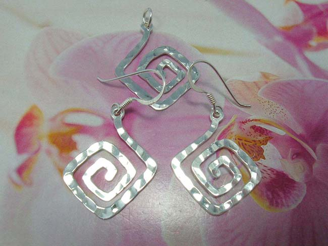 Designer wear earring and pendant set in squared spiral, handmade from 925. sterling silver, indonesian jewelry shopping outlet