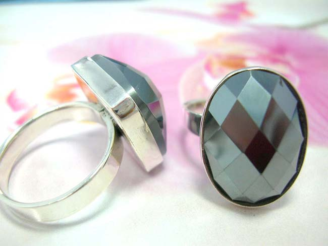Large onyx gemstone set in 925. sterling silver ring, costume jewelry shopping factory