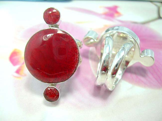 Shop wholesale outlet online, Small and large coral gemstone indonesian fashion ring with sterling silver band