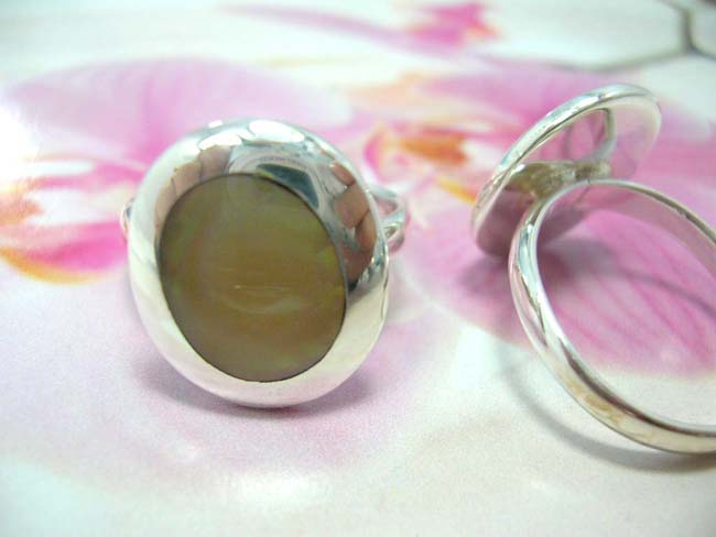 Flashing jewelry manufacturer, Beautiful antique inspired bali gemstone ring, crafted from 925. sterling silver