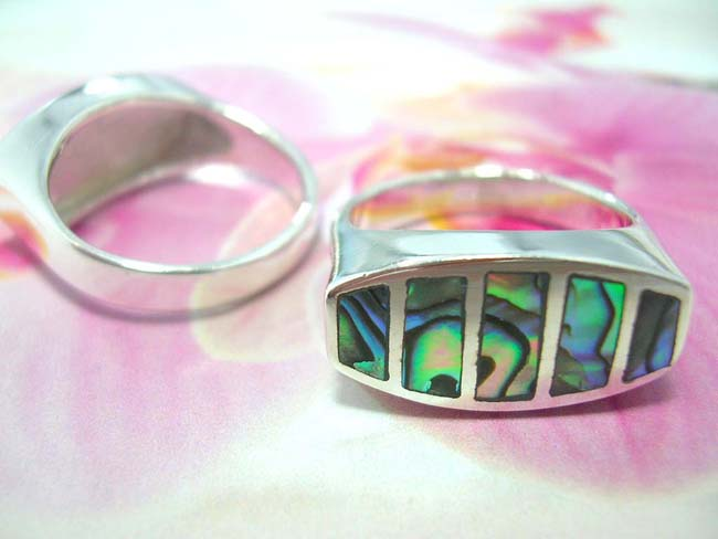 Exotic 925. sterling silver balinese ring with five opal shell gems from international gift wear express company