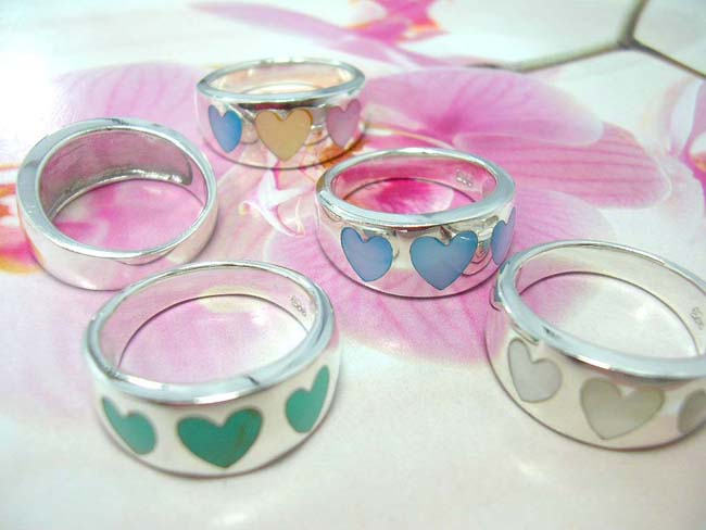 Online gift jewelry distributor, Balinese 925. sterling silver band with seashell stone hearts