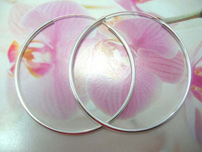 Medium, sterling silver hoop earrings from womens wholesale jewelry collection factory