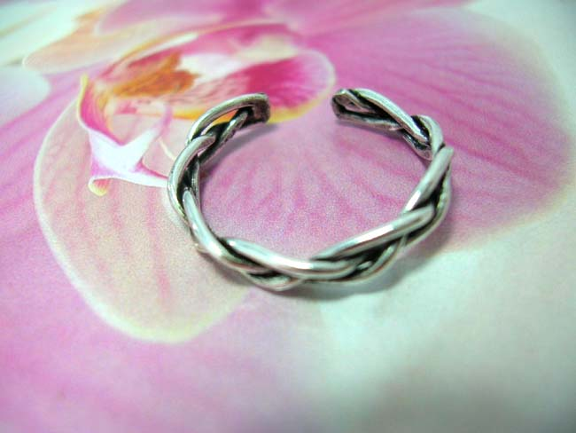 Designer jewelry exchange outlet. Stylish fashion toering in bali art braid design, handmade from 925. sterling silver
