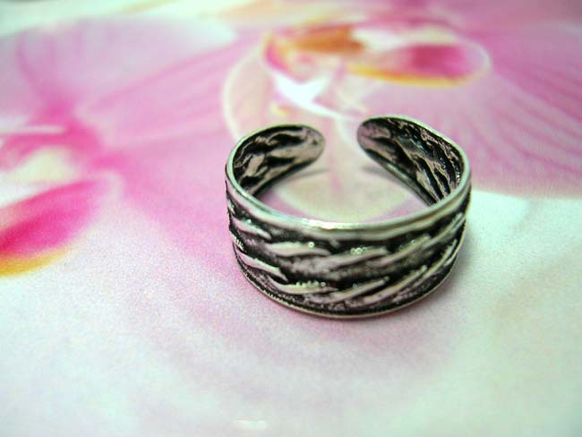 Double wave pattern bands on 925. sterling silver art toering. Bali bali jewelry catalog distributor